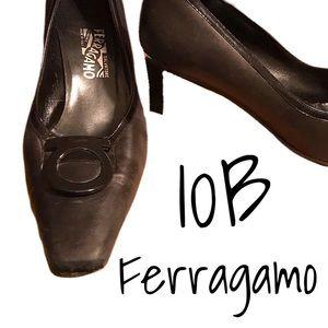 Ferragamo black leather heels w/signature motif